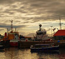 Oban Evening (2) by kalaryder