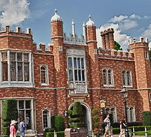 Hampton Court @ Epcot by lmcarlos
