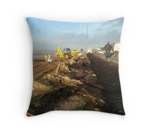 Instow clear up Throw Pillow