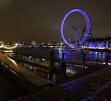 London Eye at Night by dvdan