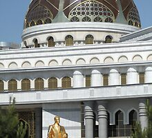 Gold President Statue, Grand Building, Turkmenistan by Jane McDougall