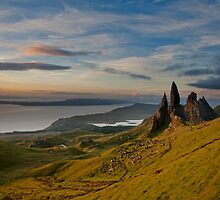 Sunrise on the old man of storr by Guy  Berresford