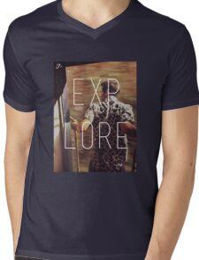 E X P L O R E Mens V-Neck T-Shirt