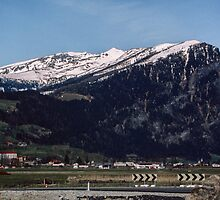 Looking around at Brenner pass from Italy 198404200012  by Fred Mitchell