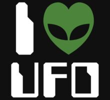 I Alien Heart UFO by tinybiscuits