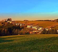 Village above the valley | landscape photography by Patrick Jobst