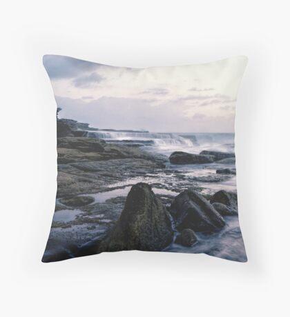 Maroubra Rock Ledges Throw Pillow