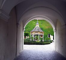Novacella Abbey - the ancient well by sstarlightss