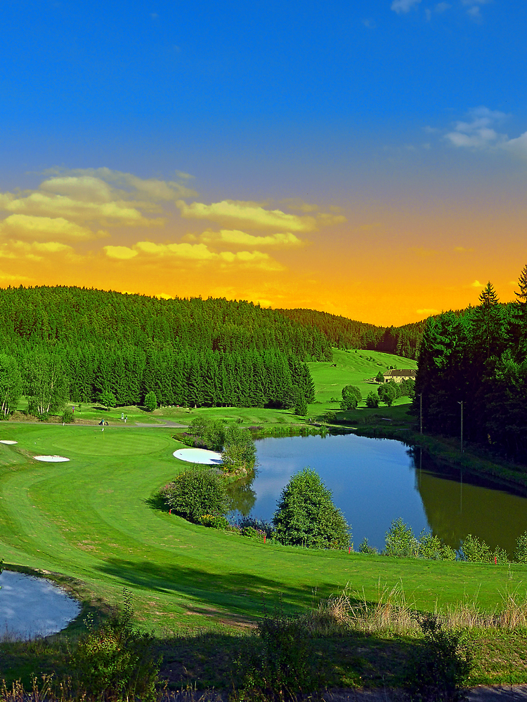 Summer sunset at the golf club | landscape photography by Patrick Jobst