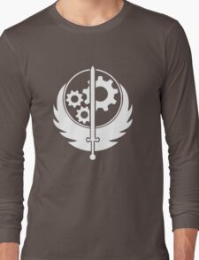 Ad Victorium! Long Sleeve T-Shirt