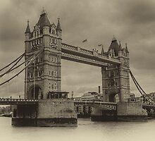 Tower Bridge by Wolfgang Zwicknagl Photography