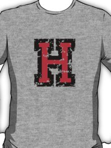 Letter H (Distressed) two-color black/red character T-Shirt