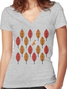 Autumn Fox Women's Fitted V-Neck T-Shirt
