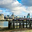 On the bank of the Thames by vivsworld