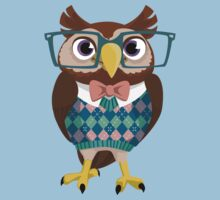 Nerdy Owl by Veronica Guzzardi