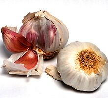 Garlic Cloves by boltonscottage