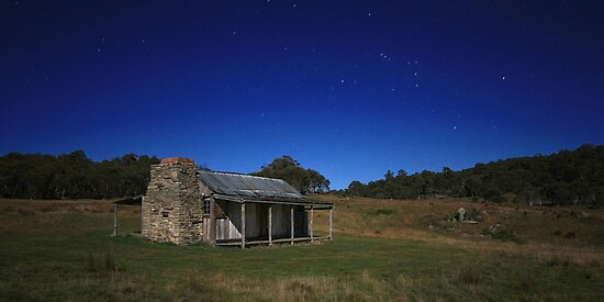 Brayshaws Hut under moonlight by Tim Coleman