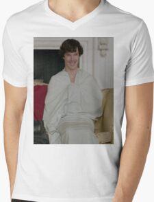 Sherlock in his sheet Mens V-Neck T-Shirt