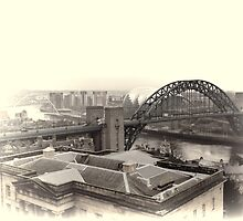 Tyne Bridges by Lynn Bolt