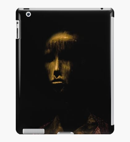 ipad doll 1 iPad Case/Skin