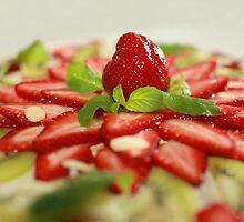 strawberry dessert by mrivserg