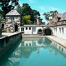Montsalvat Pool by sinkingsophie