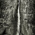 Wallaman Falls by Dean Gale
