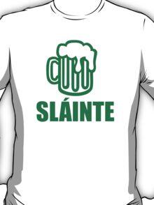 Green irish beer sláinte T-Shirt