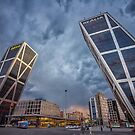 Torres KIO by Alejandro  Tejada