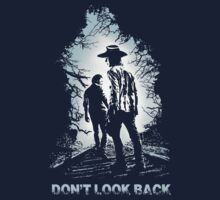 The Walking Dead - Don't Look Back by TOPZtees