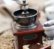 Coffee grinder by Daniele Zighetti