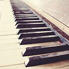 Vintage piano by SassySnark