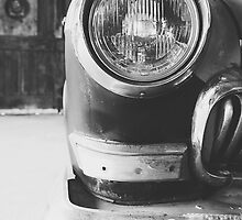 Vintage car - black & white by SassySnark