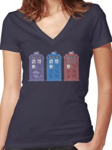 The Doctors' TARDISes Women's Fitted V-Neck T-Shirt