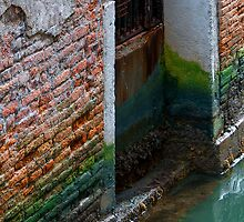 Brick Wall Colours by Jono Hewitt