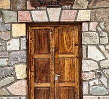 Salon de Ventas - The Doorway by photograham