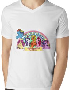 Vintage friendship is magic. Mens V-Neck T-Shirt