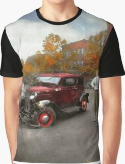 Car - Accident - Late for tee time 1932 Graphic T-Shirt