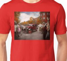 Car - Accident - Late for tee time 1932 Unisex T-Shirt