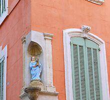 Virgin Mary at Salon-de-Provence  by milyon