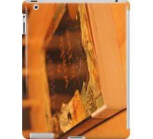 Wrinkly Reading iPad Case/Skin