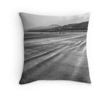 Inch, Ireland Throw Pillow