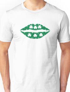 Shamrock lips kiss Unisex T-Shirt