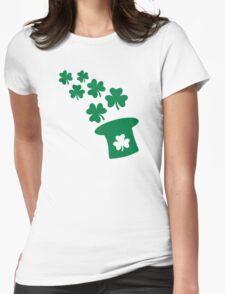 Irish top hat shamrocks Womens Fitted T-Shirt