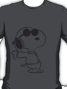 snoopy - just chillin T-Shirt