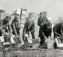 FEDERAL POLICE DESTROY PROHIBITION LIQUOR 1923 by Daniel-Hagerman