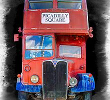 LONDON VINTAGE DOUBLE DECKER BUS by Daniel-Hagerman