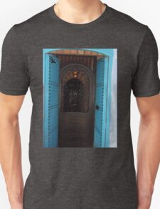 Atlas Travel Desert Caravan 4 village t-shirt T-Shirt