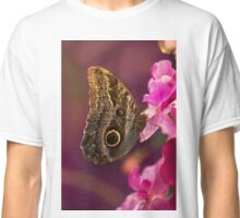 Blue Morpho butterly on pink flowers Classic T-Shirt