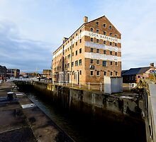 Gloucester Docks by Stephen Smith